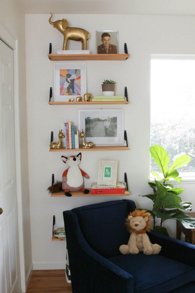 pomp & circumstance diy bookshelf