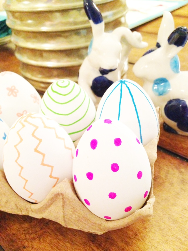 diy sharpie eggs